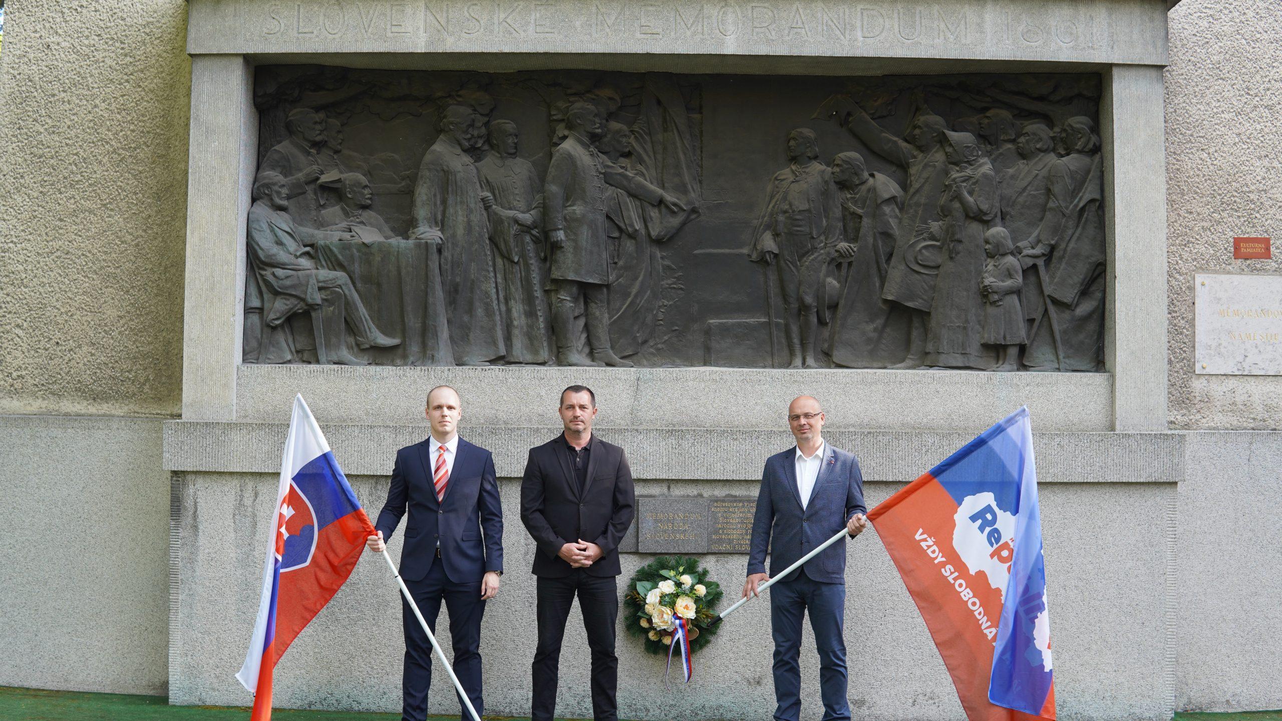 Zápas za Slovensko, za slobodu národa, za zachovanie našej existencie je stále aktuálny. V Martine sme si dnes pripomenuli 160. výročie Memoranda národa slovenského, ktoré bolo prijaté na prvom celonárodnom zhromaždení slovenského národa v roku 1861.     Dnes sa žiaľ zabúda na veľké činy a obetu našich predkov, vďaka ktorým môžeme žiť […]